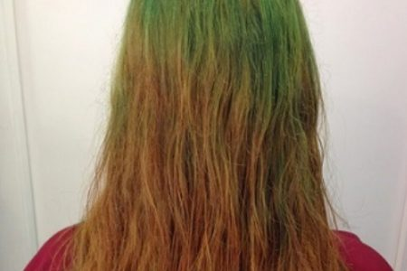 arreglo de un pelo verde