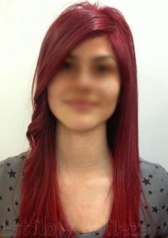 pelo rojo intenso